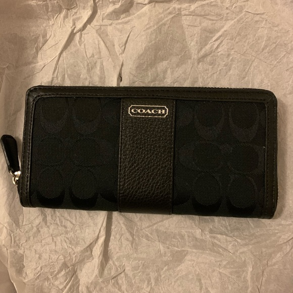 Coach wallet brand new